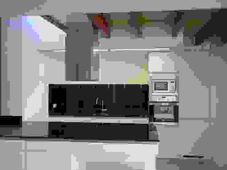 Divers Arquitectura, especialistas en Passivhaus en Sabadell Kitchen