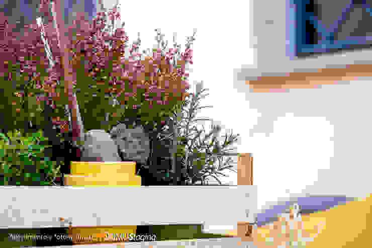 easy staging per un villino abitato da una <q>grande</q> famiglia Giardino classico di 𝗗𝗢𝗠𝗨𝗦𝘁𝗮𝗴𝗶𝗻𝗴 𝑑𝑖 𝑀𝑎𝑟𝑧𝑖𝑎 𝑀𝑜𝑠𝑐𝑎𝑟𝑑𝑖 Classico