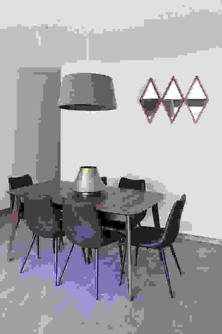 AU Lab Modern dining room