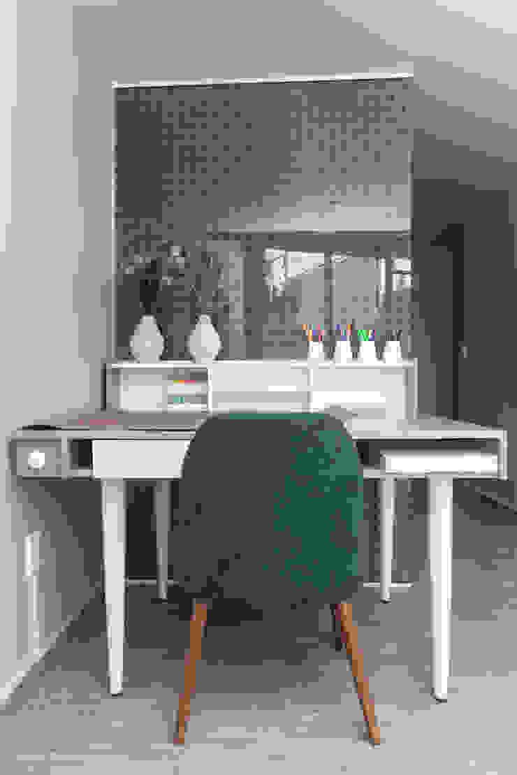 LEMONBE Ruang Studi/Kantor Modern