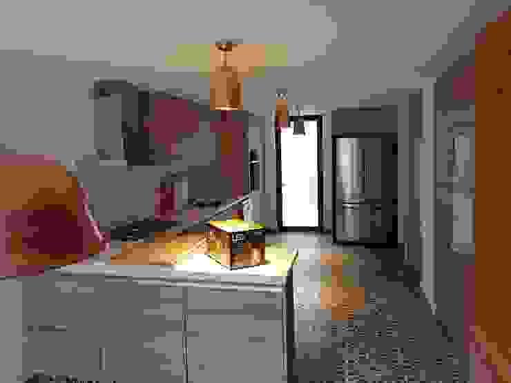 Ausgefallene Küchen von H2X Arquitectura e Ingenieria Ausgefallen