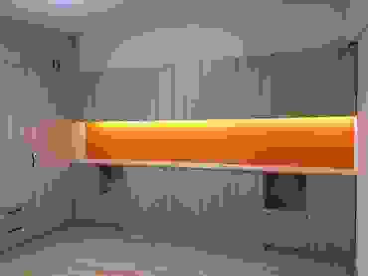 Спальня в стиле модерн от 捷士空間設計(省錢裝潢) Модерн