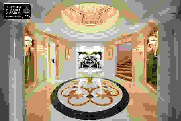 Main Entrance / Bosphorus City Villa Classic style corridor, hallway and stairs by Sia Moore Archıtecture Interıor Desıgn Classic Marble