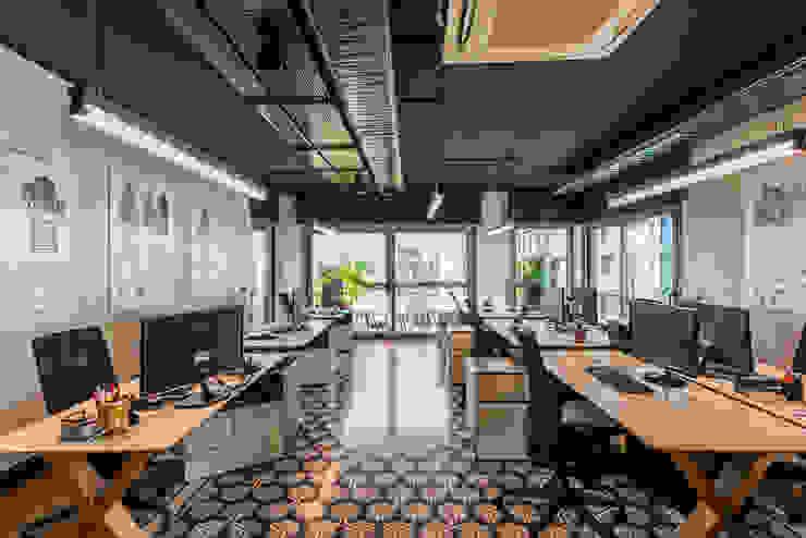 Tasarım Ofisi - 2 / Sia Moore Merkez Ofis Sia Moore Archıtecture Interıor Desıgn Ofis Alanları Metal Rengarenk