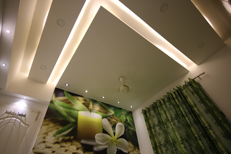 Guest Bedroom - Warm Light - False Ceiling View:  Small bedroom by Enrich Interiors & Decors,Asian