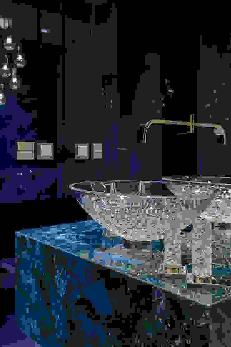 現代浴室設計點子、靈感&圖片 根據 SAFRANOW 現代風