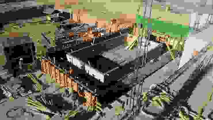 obra gris vertical Arquitecto-Villarino Condominios Concreto Gris