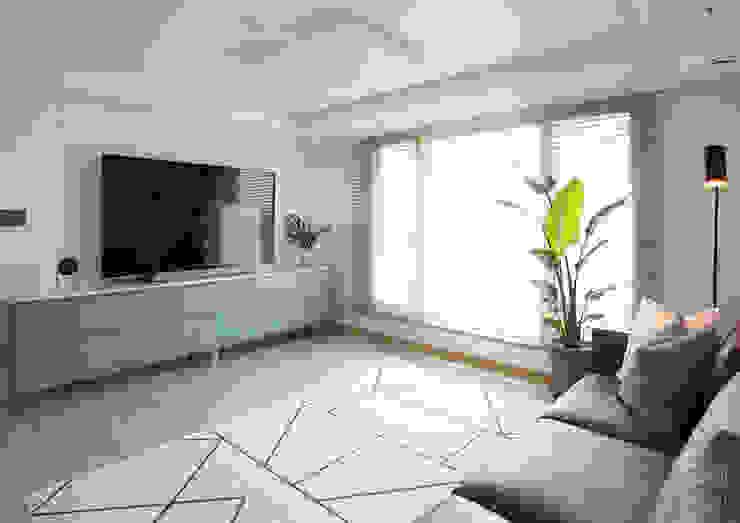 Living room 2 | 수원 영통 아이파크 캐슬 34py 새아파트 홈스타일링 모던 스타일 쇼핑 센터 by 홈리에종 모던