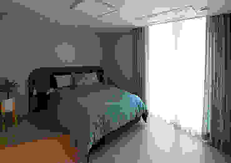 Bed room 2 | 수원 영통 아이파크 캐슬 34py 새아파트 홈스타일링 모던 스타일 쇼핑 센터 by 홈리에종 모던