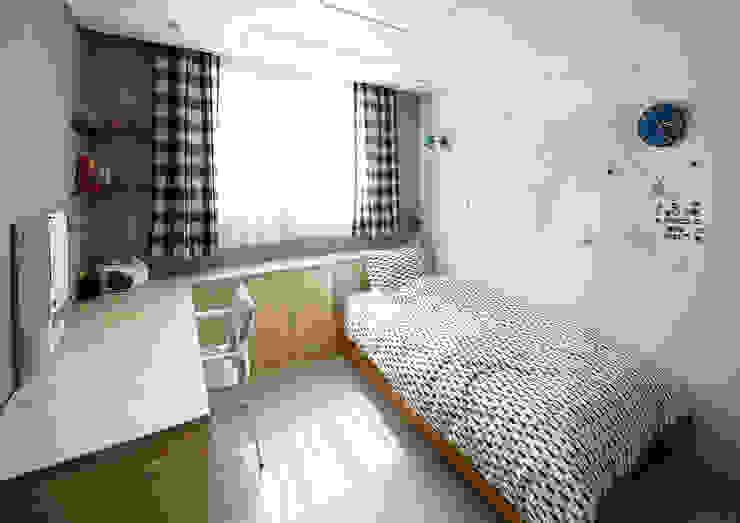 Kid's room 1-1 | 수원 영통 아이파크 캐슬 34py 새아파트 홈스타일링 모던 스타일 쇼핑 센터 by 홈리에종 모던