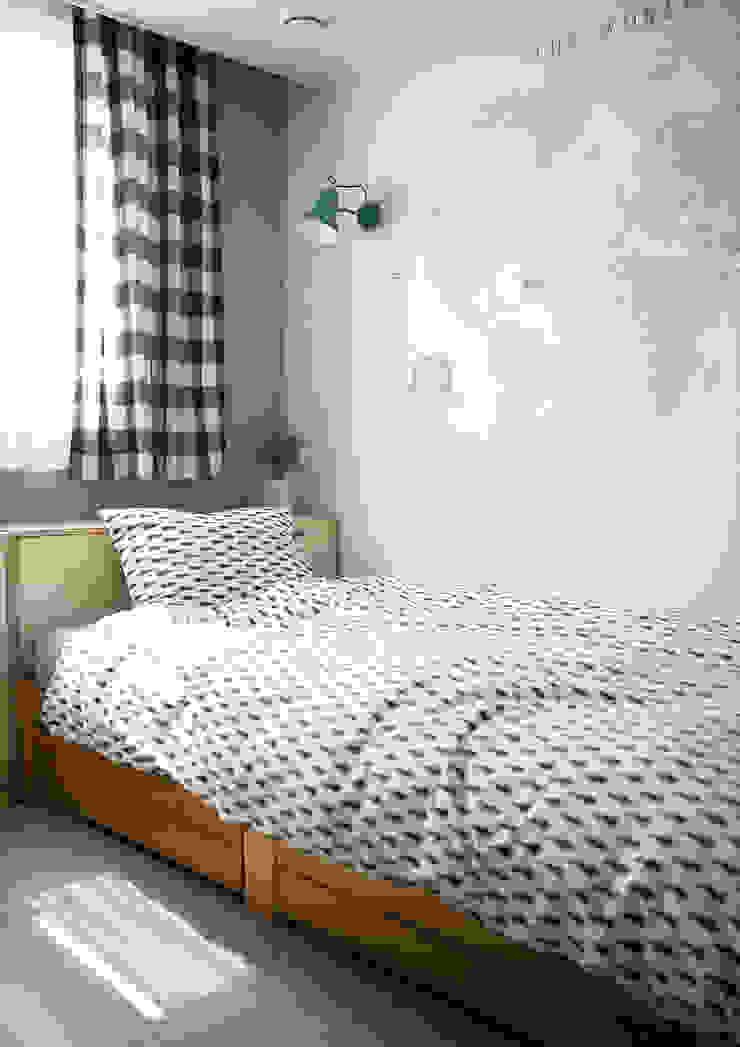 Kid's room 1-3 | 수원 영통 아이파크 캐슬 34py 새아파트 홈스타일링 모던 스타일 쇼핑 센터 by 홈리에종 모던
