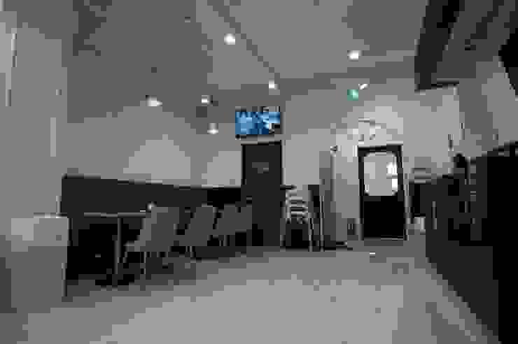 남양주 B 키즈카페 모던 스타일 바 & 클럽 by (주)좋은디자인구디 모던