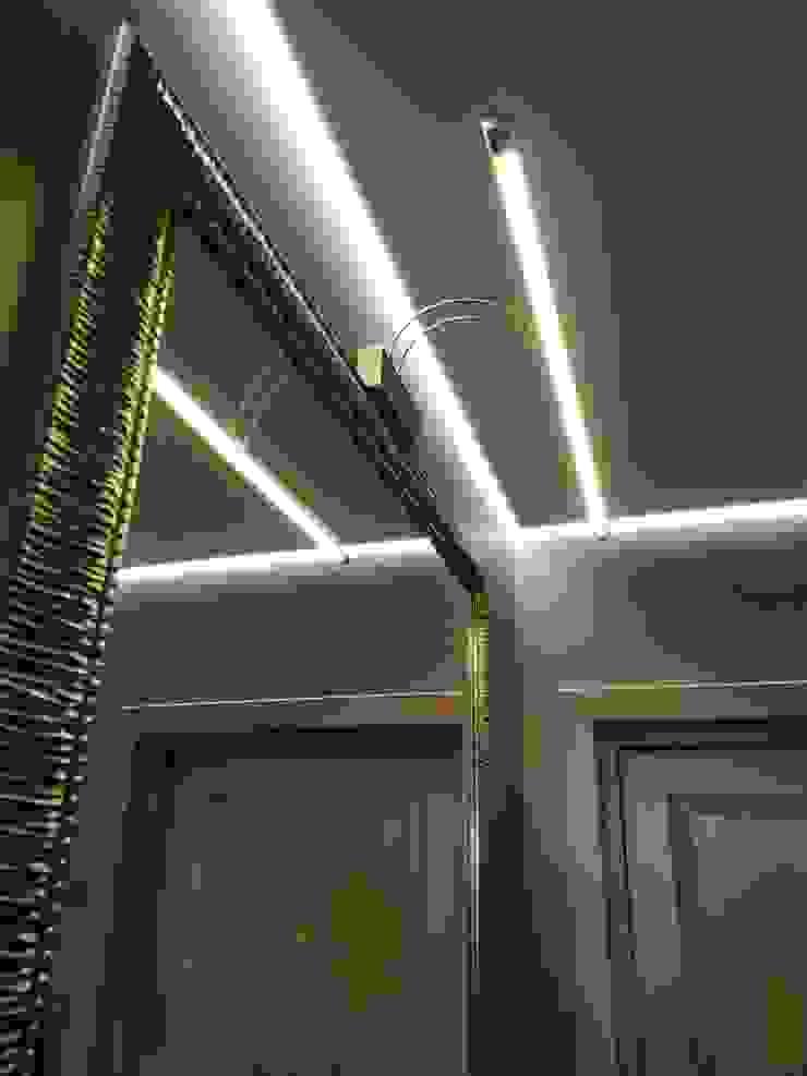 Pasillos, vestíbulos y escaleras de estilo clásico de ИП Жамойтины Светлана и Роланд Clásico Vidrio