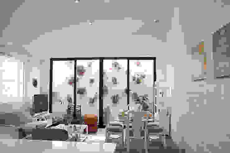 Area Social Salas de estilo minimalista de CHAVARRO ARQUITECTURA Minimalista