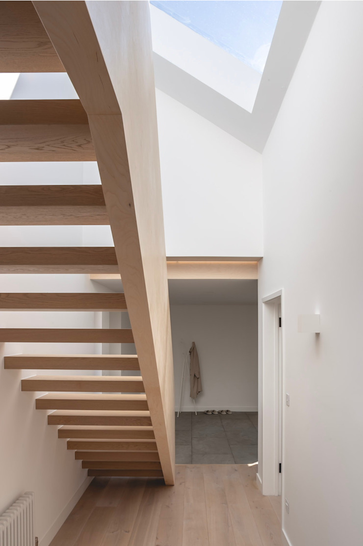 Ply+Oak Stairs de Studio HE (S /HE) Moderno Madera Acabado en madera