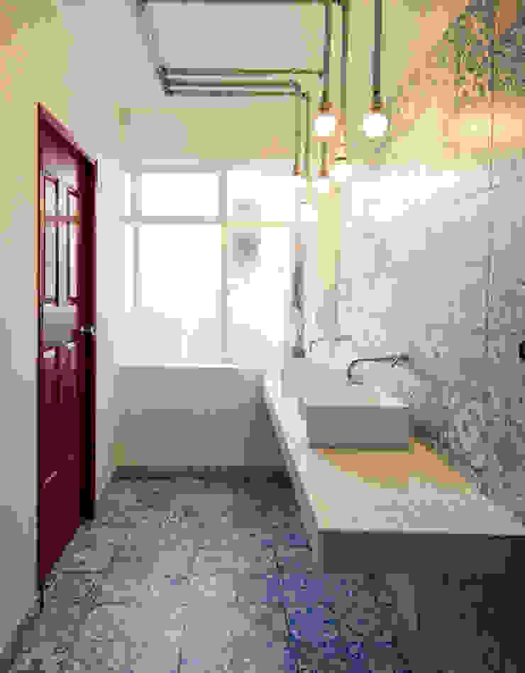 ARB baños Baños de estilo moderno de entrearquitectosestudio Moderno Azulejos