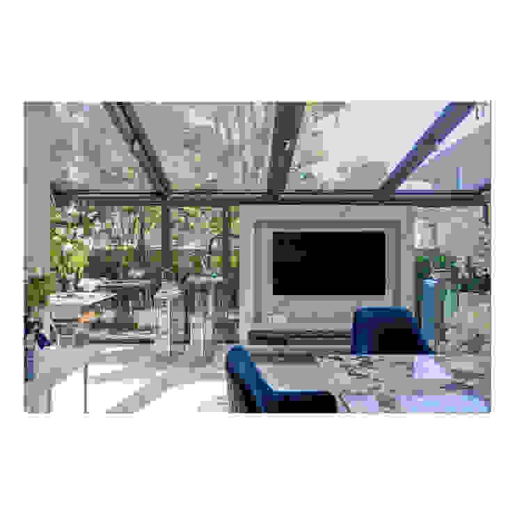 Thaan Studio Modern dining room