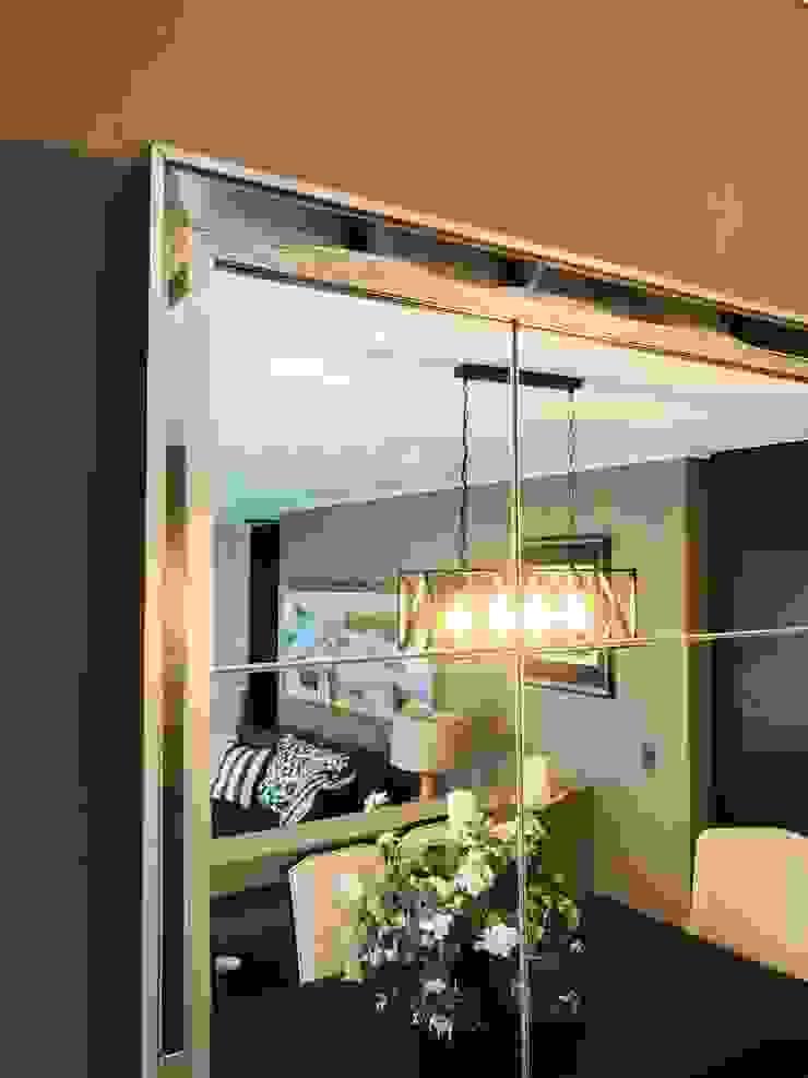 Espejo nivelado de gran formato de Oscar Saavedra Diseño y Decoración Spa Moderno