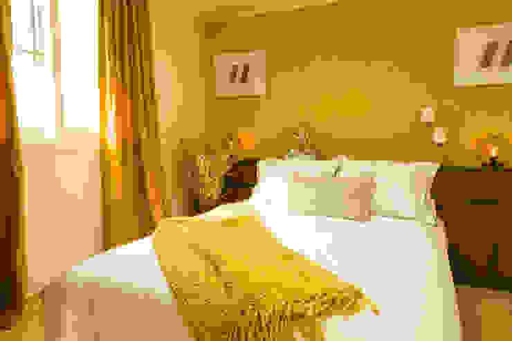 붙박이장을 활용한 한남동신혼집 거실 인테리어&스타일링 에클레틱 침실 by 아트리어 에클레틱 (Eclectic)