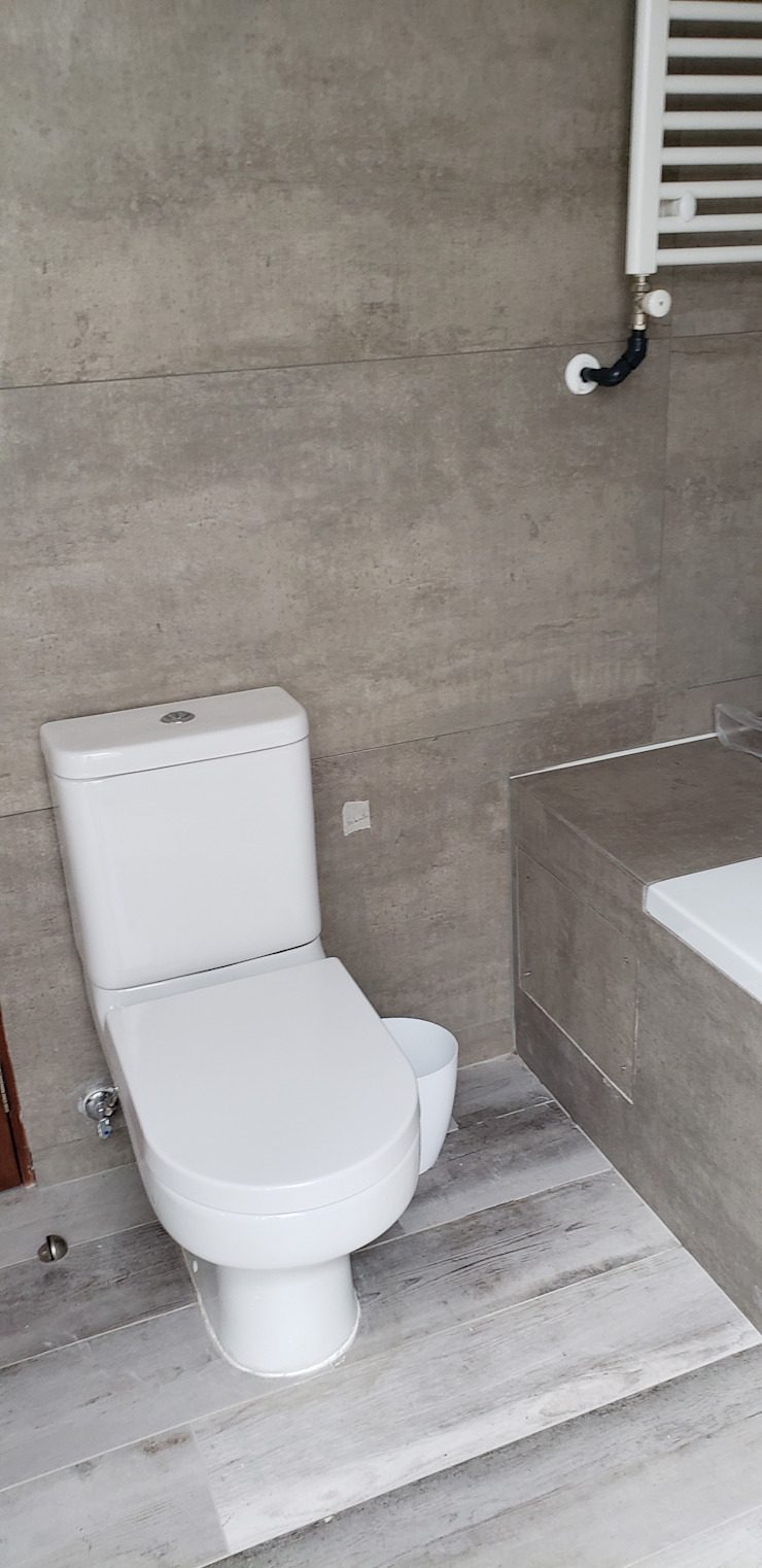 Baño Baños de estilo moderno de Constructora CYB Spa Moderno