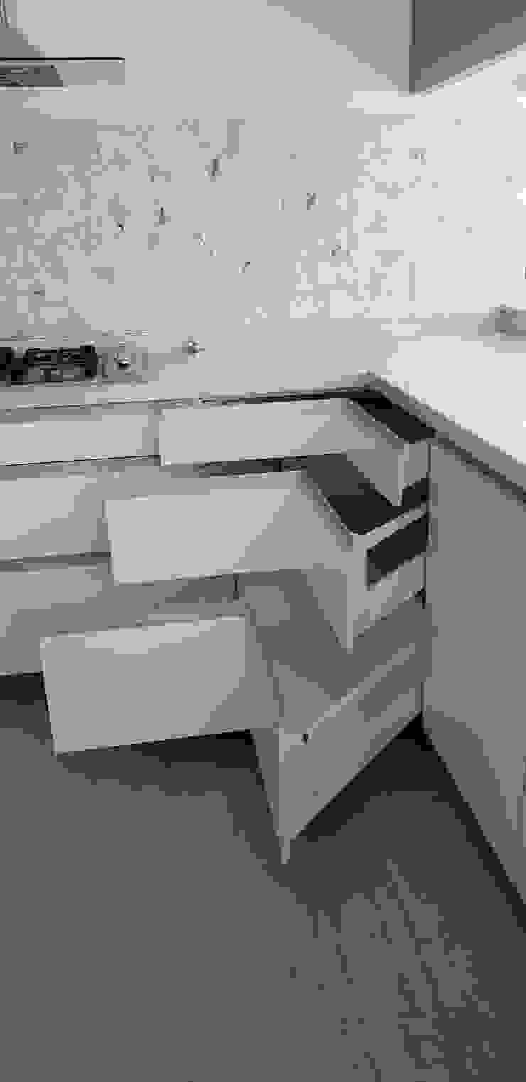 Muebles cocina Cocinas de estilo moderno de Constructora CYB Spa Moderno