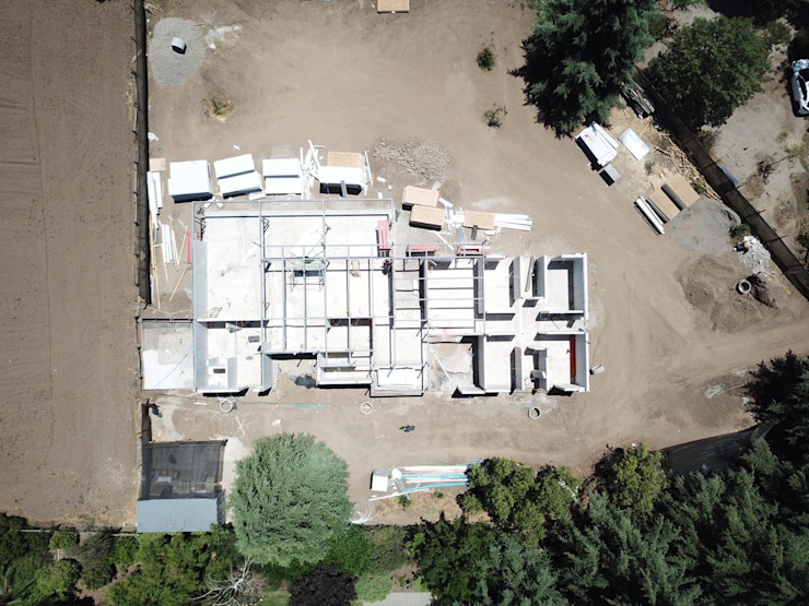 Obra en Construcción Casas de estilo mediterráneo de Constructora CYB Spa Mediterráneo