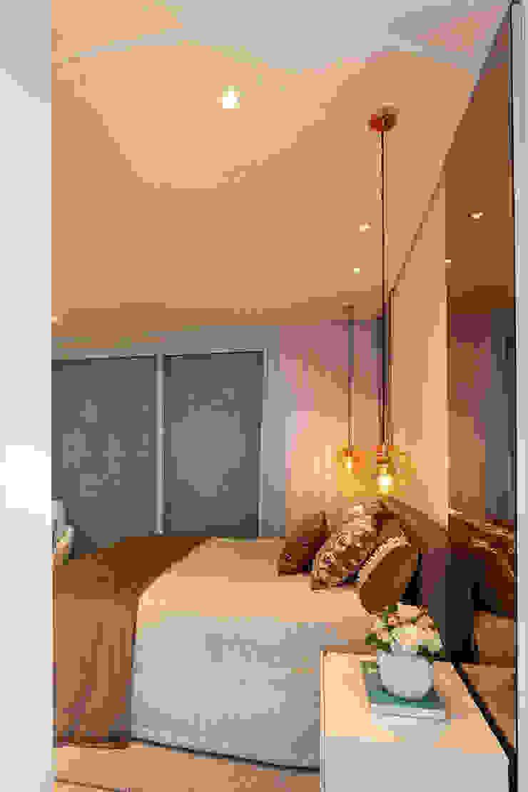 Phòng ngủ phong cách hiện đại bởi Designer de Interiores e Paisagista Iara Kílaris Hiện đại