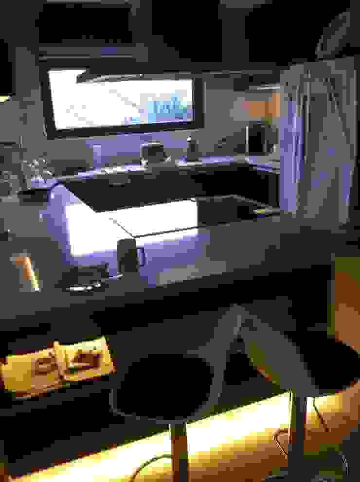 Remodelacion de cocinas Cocinas de estilo moderno de JORGE PALMA PAPIC E.I.R.L. Moderno