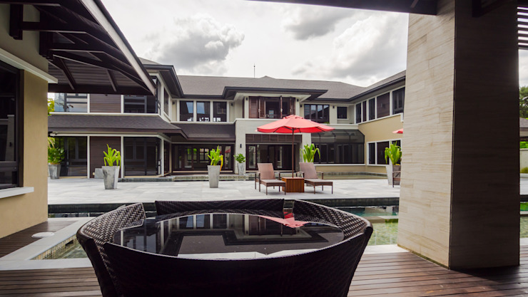 Luxury Bungalows @ Lorong Gurney Kuala Lumpur Mode Architects Sdn Bhd Tropical style balcony, porch & terrace