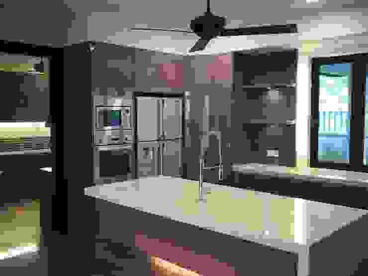 Luxury Bungalows @ Lorong Gurney Kuala Lumpur Mode Architects Sdn Bhd Kitchen