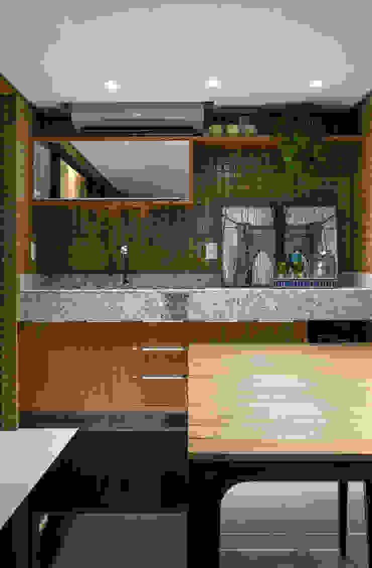 Oleh Bruno Sgrillo Arquitetura Modern Kayu Wood effect