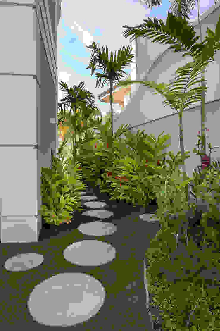 Casa Real Casas modernas por Designer de Interiores e Paisagista Iara Kílaris Moderno