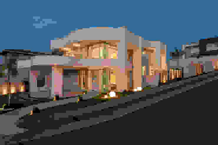 Moderne Häuser von Designer de Interiores e Paisagista Iara Kílaris Modern