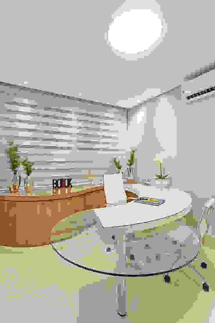 Moderne Arbeitszimmer von Designer de Interiores e Paisagista Iara Kílaris Modern