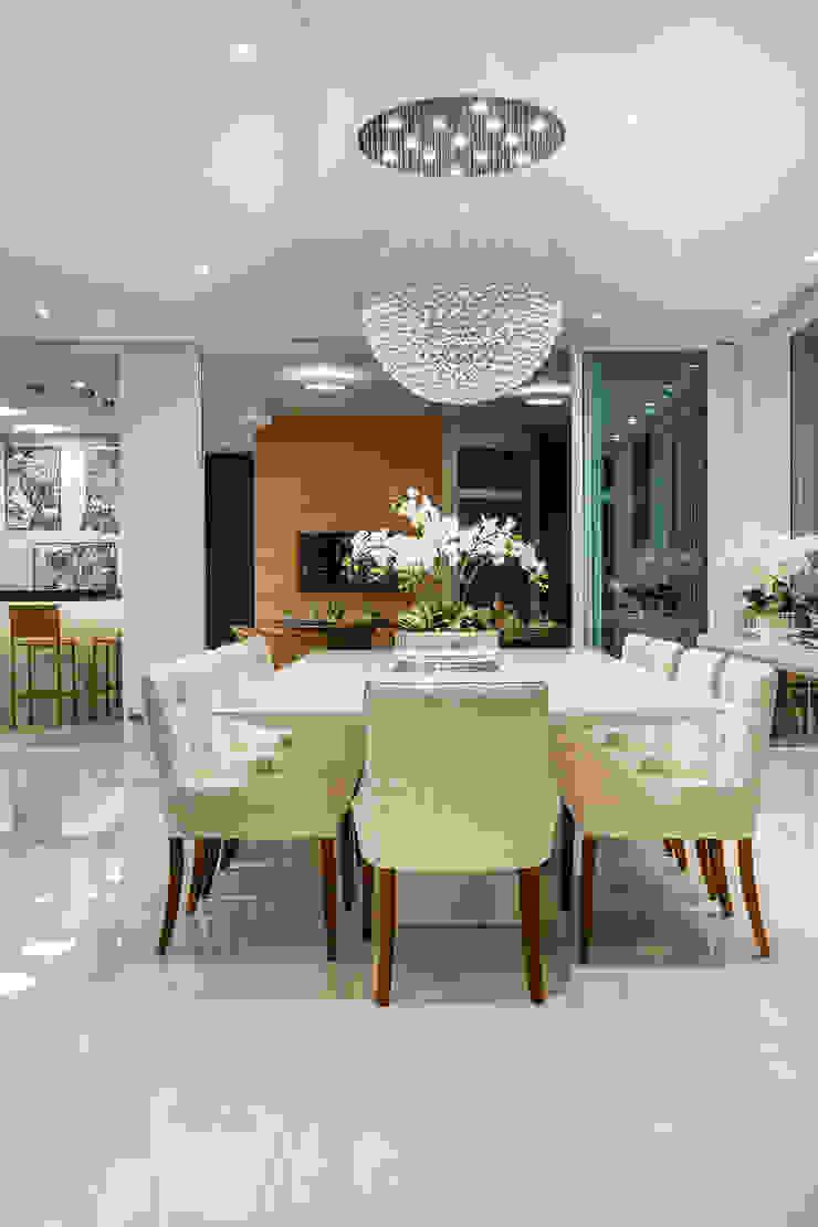 Moderne Esszimmer von Designer de Interiores e Paisagista Iara Kílaris Modern