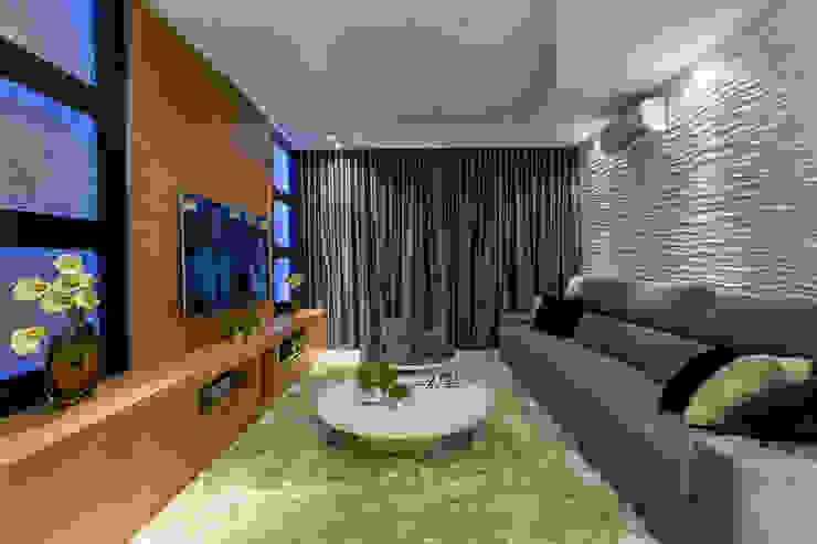 Salas multimédia modernas por Arquiteto Aquiles Nícolas Kílaris Moderno