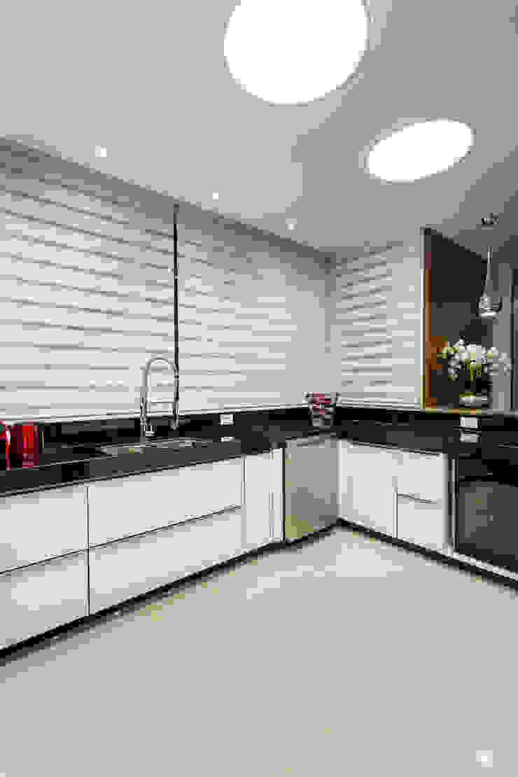 Cozinhas modernas por Arquiteto Aquiles Nícolas Kílaris Moderno