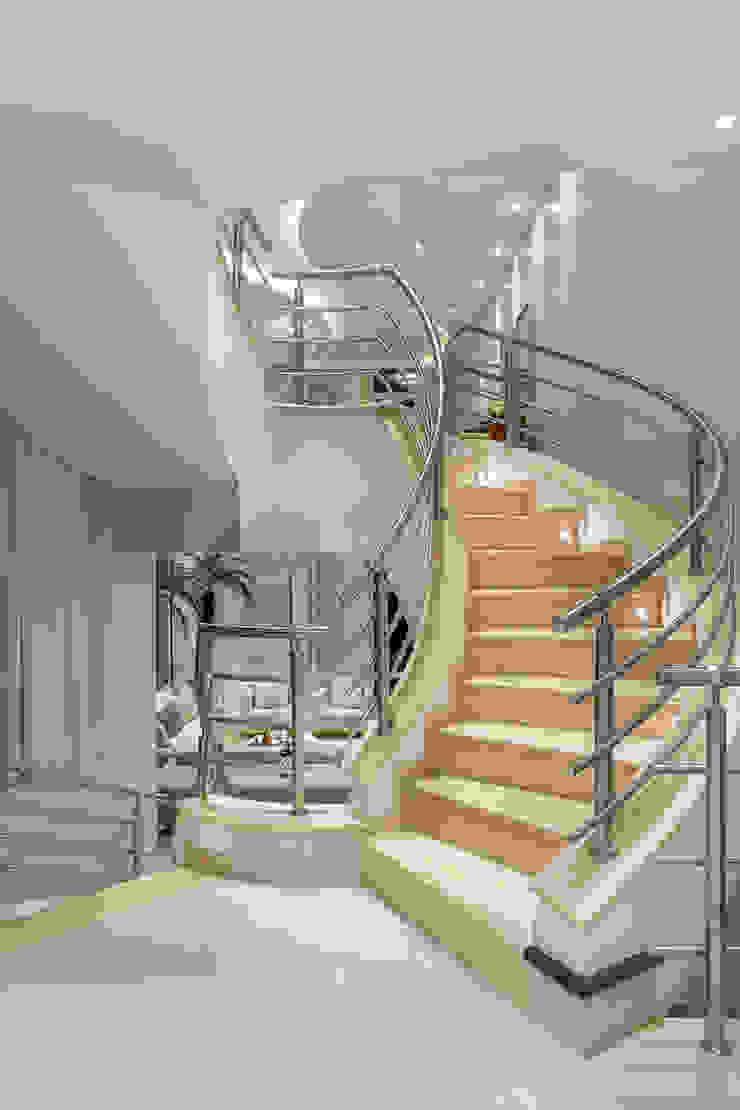 por Arquiteto Aquiles Nícolas Kílaris Moderno