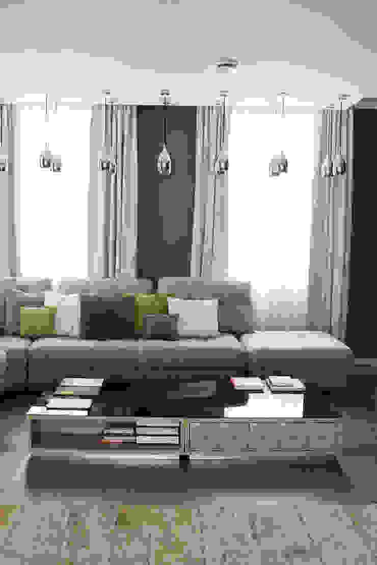 Загородный дом в Юкках Гостиная в стиле минимализм от Wide Design Group Минимализм