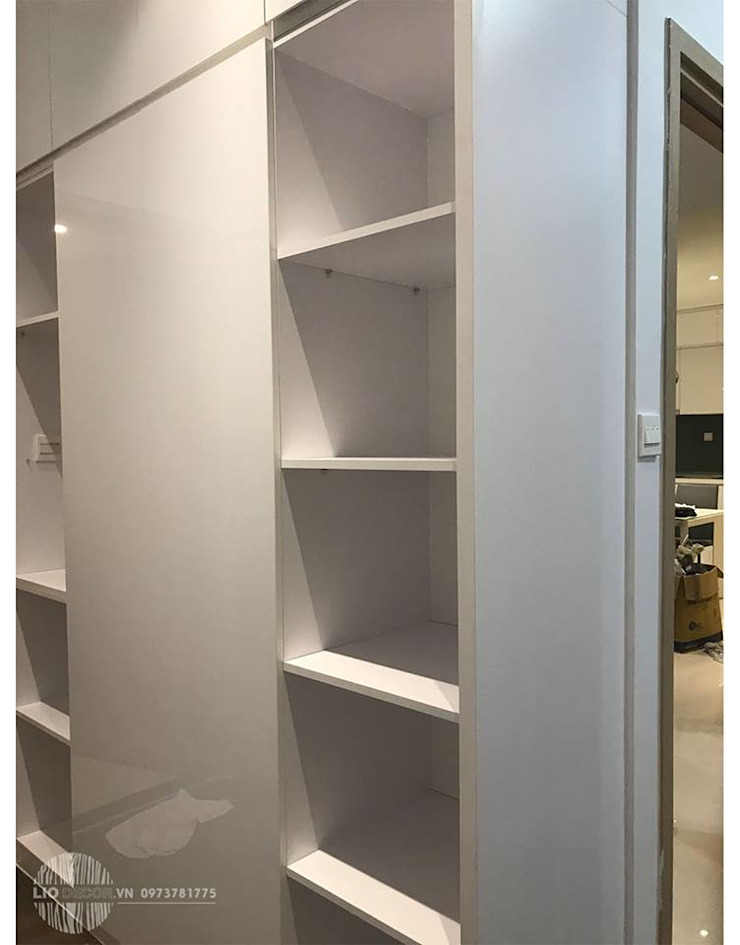 Tủ áo : hiện đại  by Lio Decor, Hiện đại
