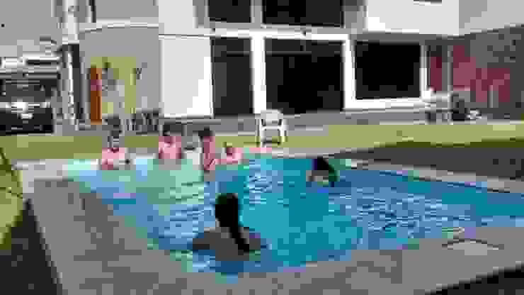 Disfrute en familia de Pool Solei