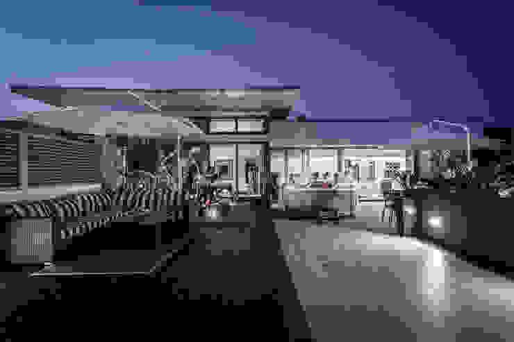 Balkon, Beranda & Teras Modern Oleh SPA Deluxe GmbH - Whirlpools in Senden Modern
