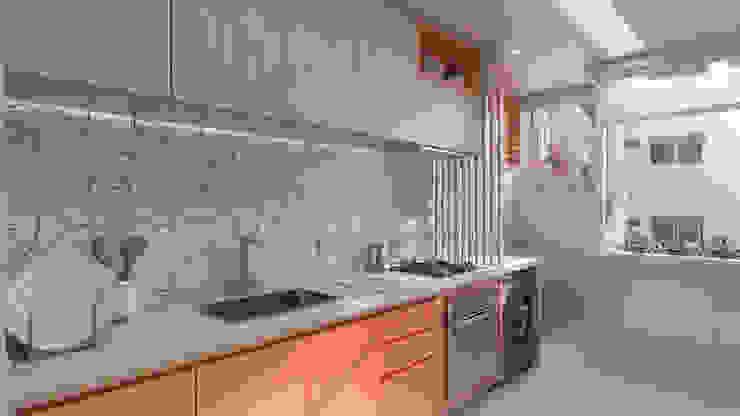 de Estúdio 465 - Arquitetura & Interiores Moderno Madera Acabado en madera