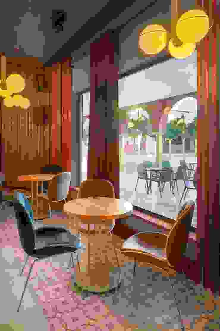 Sinatra, el nuevo local de moda de Santa Clara, Sevilla Salones de estilo moderno de MisterWils - Importadores de Mobiliario y departamento de Proyectos. Moderno
