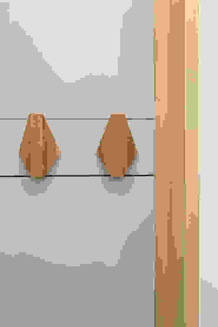 สไตล์ผสมผสาน ทางเดินห้องโถงและบันได โดย BL Design Arquitectura e Interiores ผสมผสาน ไม้ Wood effect