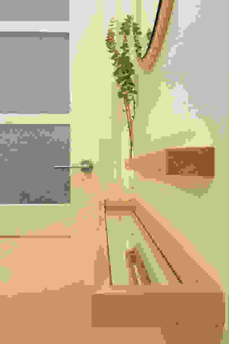 สไตล์ผสมผสาน ทางเดินห้องโถงและบันได โดย BL Design Arquitectura e Interiores ผสมผสาน