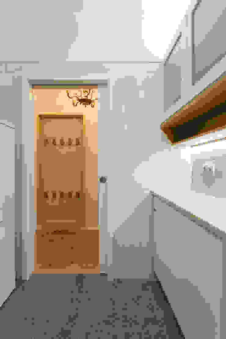 โดย BL Design Arquitectura e Interiores ผสมผสาน