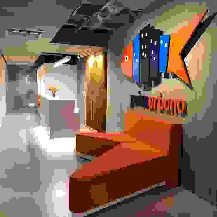 Recepção é a primeira impressão: Edifícios comerciais  por JBENARQ,Moderno Concreto