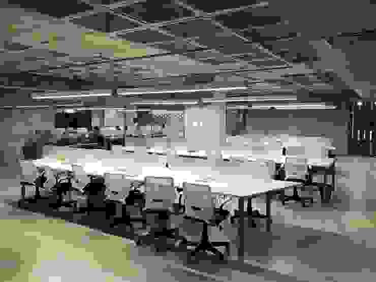 Área de trabalho : Edifícios comerciais  por JBENARQ,Industrial Concreto