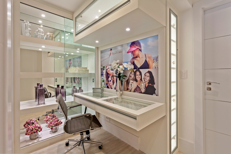 Koridor & Tangga Modern Oleh Designer de Interiores e Paisagista Iara Kílaris Modern